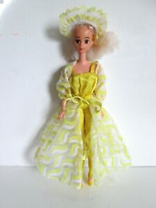 Barbie Vintage 1970s Pretty Changes #2598 5 PC Outfit Yellow Satin Jumpsuit