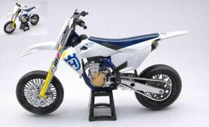 Miniature Moto 1:12 Husqvarna FS450 Moteur Bike Modélisme Véhicules diecast