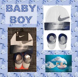 Nike Baby Socken Mütze Geschenk 2er Set Junge Geburt Geschenkset Newborn Modern