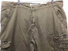 NWT COURAGE CLOTHING CO. MEN ARMY GREEN CARGO PREMIUM SHORTS W42