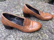 Zapatos Tacon Ancho De Piel 36 Pertini