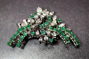 edle Brosche Nadel 750er Weißgold mit Diamanten und Smaragde Juwelierarbeit