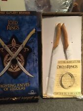 Lord Of The Rings Fighting Knives Of Legolas United Cutlery With Display