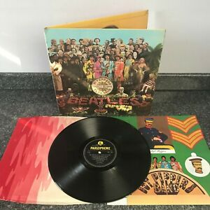 LP THE BEATLES Sgt Pepper's Lonely Hearts Club Band UK 1ST PRESS MONO PMC 7027