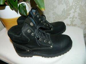 Men's Wrangler Boots size 7. ( 41 )  Black.
