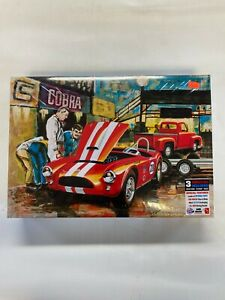 Grand Prix Shelby 289 Ford Cobra racing team AMT 1073/06 #6