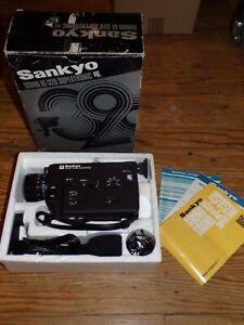 VINTAGE SANKYO Sound XL 320 SUPERTRONIC SUPER 8 mm Caméra + Microphone-