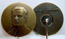 Insigne boutonnière Politique Syrien Syrie HAFEZ EL-HASSAD 1970 Authentique