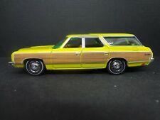 Johnny Lightning 1973 Chevrolet Caprice Wagon golden yellow Loose New Mint 1:64