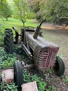 International Harvester Tractor B250 / B275 and Flail - Tractor Chassis 1903