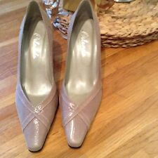 Beautiful ladies leather Nude Mink court shoes size 5.5 NEW!,