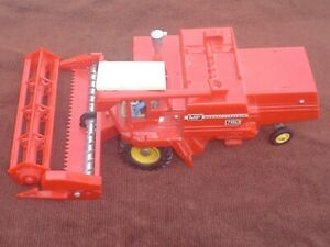 VINTAGE 1978 BRITAINS FARM 1/32 SCALE MASSEY FERGUSON 760 COMBINE HARVESTER