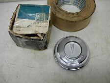 NOS GM 1967 PONTIAC STEERING WHEEL ORIG HORN BUTTON #9787529 FIREBIRD GTO LEMANS