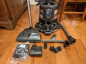 Rainbow E2 Type 12 Black Edition Water Filtration Vacuum, Power Nozzle + Extras