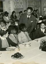 Arbre de Noël chez M. Monnerville, président du Conseil de la République Vintage