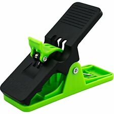 Sports & Fitness Features Clip All Purpose Cigar Holder (Green)