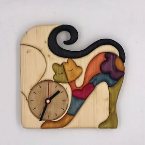 Clock with bored cat