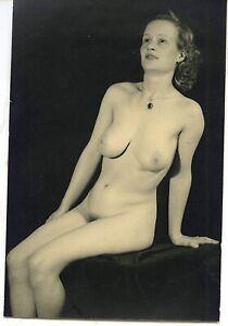 Akt junge hübsche Frau nackt künstlerisch Traumfigur Vintage c. 1950