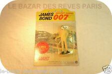 James Bond 007. Personnage GILBERT.  Largo.