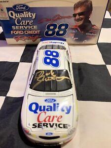 1999 Dale Jarrett Autographed #88 Susan G Komen Quality Care Ford 1/24