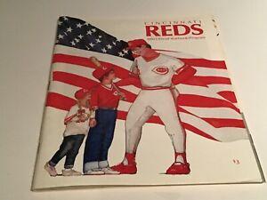 Cincinnati Reds Yearbooks/Program 1990 - Excellent Condition