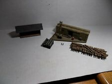 HO SCALE TRACK SIDE STRUCTURES 2PCS