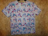 THE WONDERFUL WORLD OF DISNEY EOR SCRUB TOP SIZE S (4 POCKETS) STYLE: EE17A970
