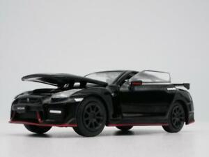 NISSAN GT-R R35 BLACK RARE 1:64 SCALE DIORAMA DIECAST MODEL CAR