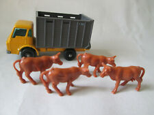 Matchbox Lesney Dodge Cattle Truck #37 England with 4 Brown Cow Figures