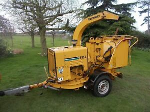 VERMEER BC 935I 9 COMMERCIAL DIESEL WOOD CHIPPER TOW ALONG JENSON TIMBERWOLF