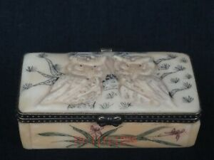 Collection Ornaments Asian China Old Hand Carved Lovely Owl Statue Trinket Box