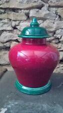 Potiche couverte Vintage signée François Chatain. Céramique verte et rouge.