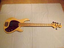 OLP MM3 Stingray Ernie Ball Music Man 5 String Bass Gitarre-neuwertig