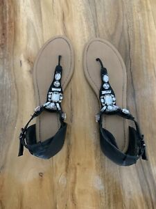 Ladies Black Diamond Sandals Used but In Great Condition Size 8/41