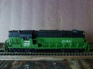 HO Burlington Northern #4186 Diesel Locomotive for repair