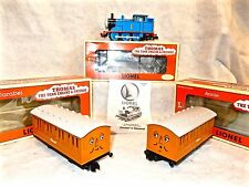 Lionel #6-18719 Thomas the Tank engine with Annie and Clarabel coach cars-lnwbxs