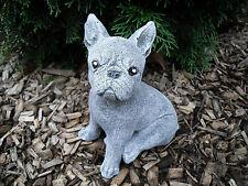 Steinfigur französische Bulldogge sitzend Frostfest Haustier Hund Dogge Deko