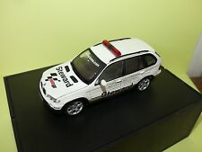 BMW X5 STEWARD CAR GP MOTO MINICHAMPS 1:43 défaut rétro