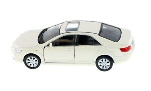 "Welly Toyota Camry 1/40 scale 4.75"" diecast model car new with PULL BACK WHITE"
