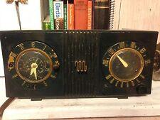 Vintage 1951 Motorola Model  5C Tube Clock/Radio
