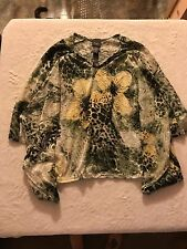 Women's Travelers Collection Top, Size Small, Batman Sleeves