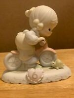 Precious Moments Growing in Grace Age 6 Blonde Girl Figurine 1994 Enesco 136255