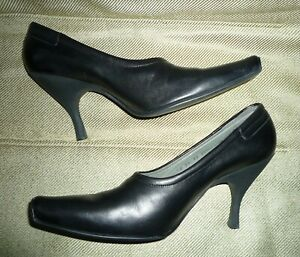 Bally Italy 10 Black Bootie Heels Leather Calfskin Shoes