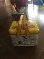 VINTAGE WALT DISNEY PRODUCTIONS CHEINCO TIN LITHO LUNCHBOX DONALD DUCK