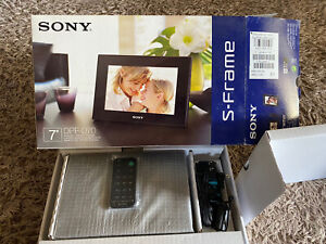 Sony DPF-D70 7-inch S-Frame Digital Photo Frame NEW in opened box Black