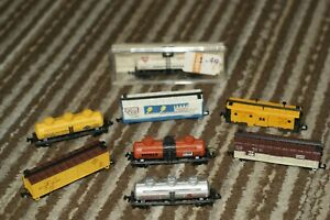 VINTAGE LIFE-LIKE N Scale  Train cars / Lot of 8