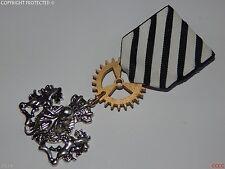 Steampunk badge brooch pin drape Medal pirate kraken octopus coat of arms LARP
