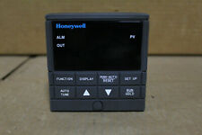 Honeywell DC230B-EE-00-10-0000000-00-0 Temperature Controller