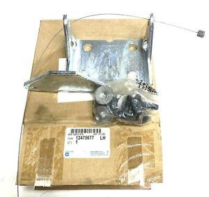 New OEM Chevy C1500 Door Hinge Lower Driver Left Side Genuine GM 12475677