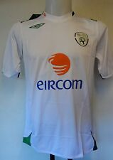 REPUBLIC OF IRELAND 2007 S/S AWAY SHIRT  BY UMBRO  SIZE ADULTS LARGE BRAND NEW
